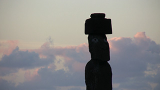 チリ/イースター島/モアイ