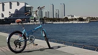 港と自転車