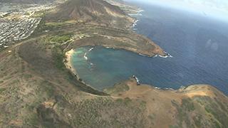 アメリカ/ハワイ/オアフ島/ハナウマ湾上空
