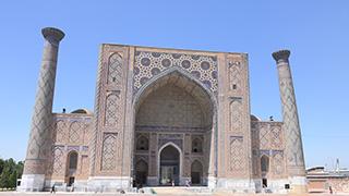 ウズベキスタン/サマルカンド/レギスタン広場/ウルグ・ベク・マドラサ